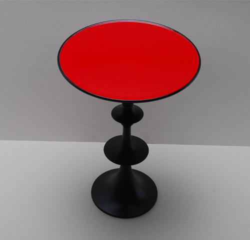 Round red table 30cm height 42cm - Table rouge emaillée diamètre 30cm Hauteur 42cm